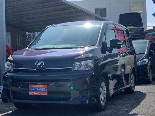 沖縄の中古車 トヨタ ヴォクシー 車両価格 118万円 リ済込 2014(平成26)年 6.2万km ダークパープルM