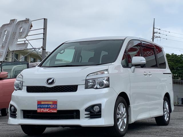 沖縄の中古車 トヨタ ヴォクシー 車両価格 125万円 リ済込 2013(平成25)年 9.0万km パールホワイト