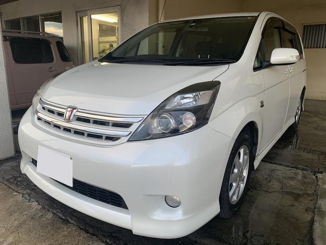 沖縄の中古車 トヨタ アイシス 車両価格 49万円 リ済別 2010(平成22)年 8.0万km ホワイト