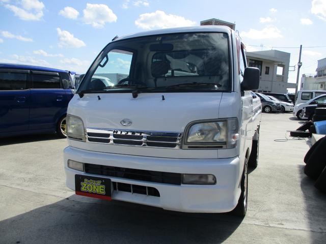 沖縄の中古車 ダイハツ ハイゼットトラック 車両価格 35万円 リ済込 2004(平成16)年 9.8万km ホワイト