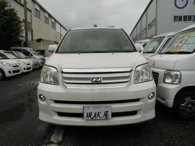 沖縄の中古車 トヨタ ノア 車両価格 34万円 リ済込 2006(平成18)年 11.2万km パール