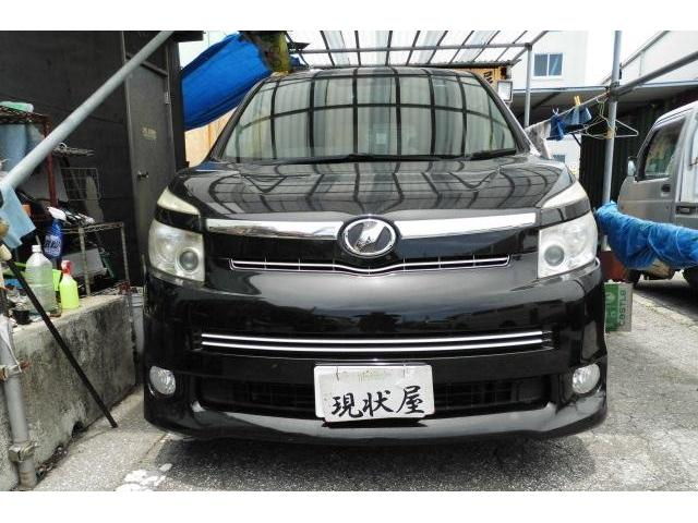 沖縄の中古車 トヨタ ヴォクシー 車両価格 44万円 リ済込 2009(平成21)年 14.0万km ブラック