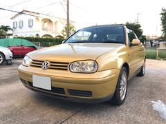 沖縄の中古車 フォルクスワーゲン VW ゴルフカブリオレ 車両価格 60万円 リ済込 2001年 5.5万K ゴールド
