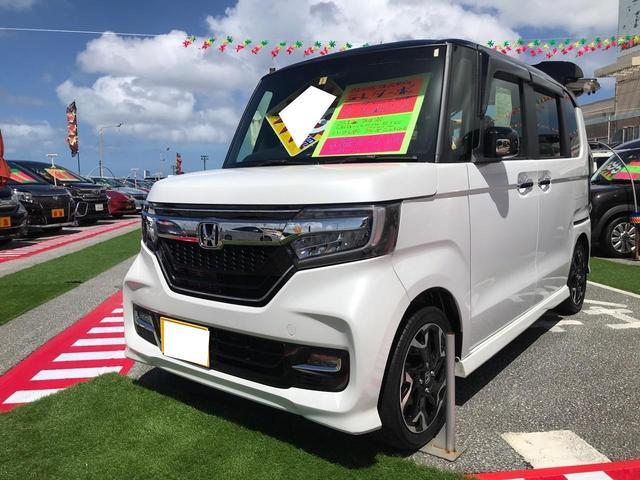 沖縄の中古車 ホンダ N-BOXカスタム 車両価格 149万円 リ済別 2019(平成31)年 4.2万km プラチナホワイトパールII