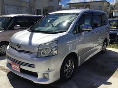 沖縄の中古車 トヨタ ヴォクシー 車両価格 79.8万円 リ済別 平成21年 7.4万K シルバーM