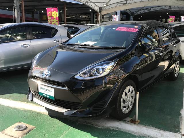 沖縄の中古車 トヨタ アクア 車両価格 183.6万円 リ済別 平成30年 0.5万km ブラック