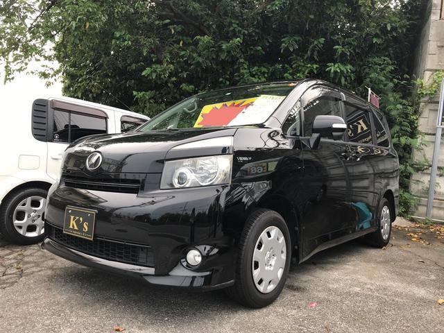 沖縄の中古車 トヨタ ヴォクシー 車両価格 53万円 リ済込 平成20年 14.4万km ブラック