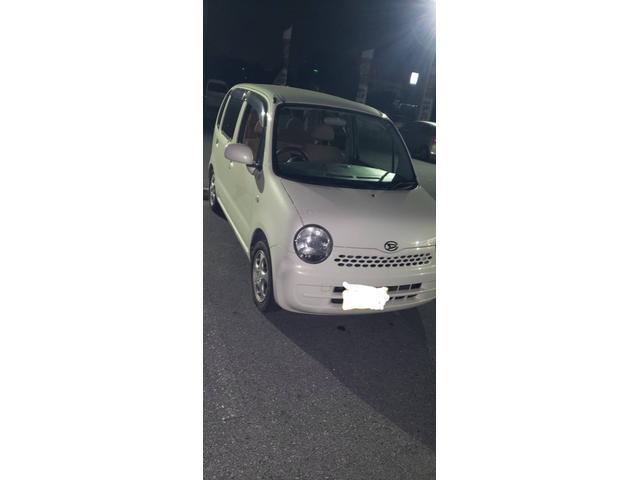 沖縄の中古車 ダイハツ ムーヴラテ 車両価格 6万円 リ済込 2005(平成17)年 11.4万km ホワイト