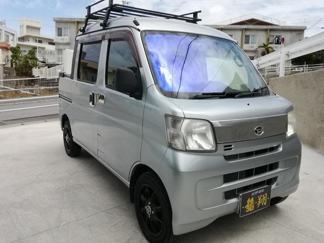 沖縄の中古車 ダイハツ ハイゼットカーゴ 車両価格 51万円 リ済込 2012(平成24)年 20.7万km シルバー