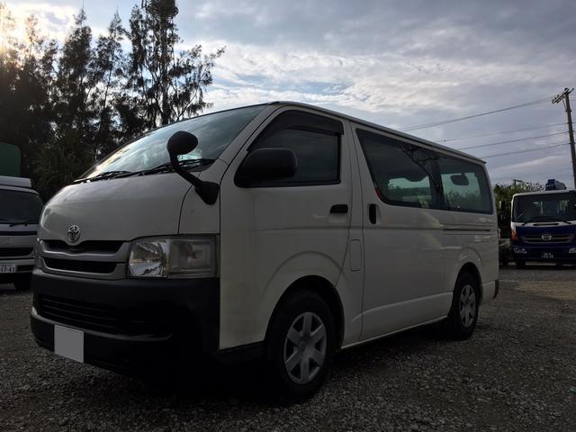 沖縄の中古車 トヨタ ハイエースバン 車両価格 84万円 リ済別 平成21年 24.0万km ホワイト