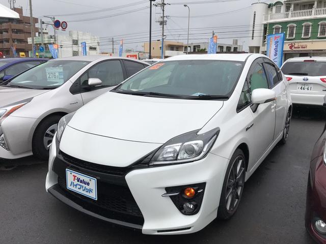 沖縄の中古車 トヨタ プリウス 車両価格 250万円 リ済別 平成26年 2.1万km パールホワイト