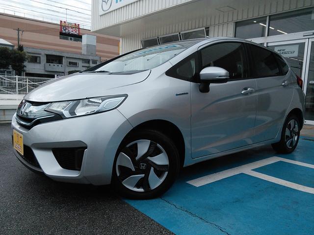 沖縄の中古車 ホンダ フィットハイブリッド 車両価格 69万円 リ済込 2014(平成26)年 6.5万km グレーM