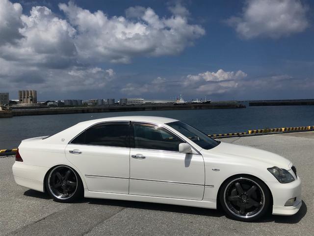 沖縄の中古車 トヨタ クラウン 車両価格 49万円 リ済込 2005(平成17)年 11.0万km パールホワイト