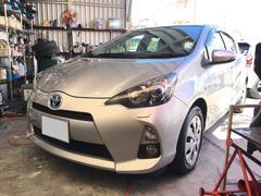 沖縄の中古車 トヨタ アクア 車両価格 88万円 リ済込 平成25年 2.2万K シルバー