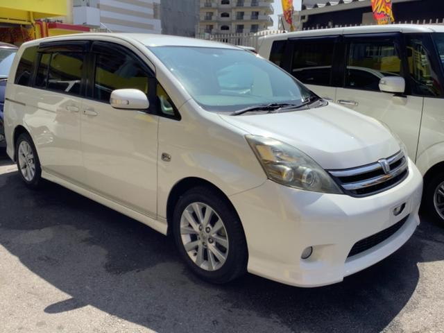 沖縄の中古車 トヨタ アイシス 車両価格 39万円 リ済込 2008(平成20)年 8.0万km パール
