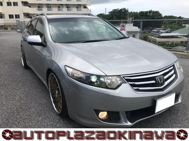 沖縄の中古車 ホンダ アコードツアラー 車両価格 77万円 リ済別 2010(平成22)年 6.8万km シルバー