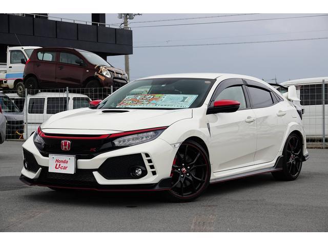 沖縄の中古車 ホンダ シビック 車両価格 399.8万円 リ済別 2017(平成29)年 0.2万km ホワイト