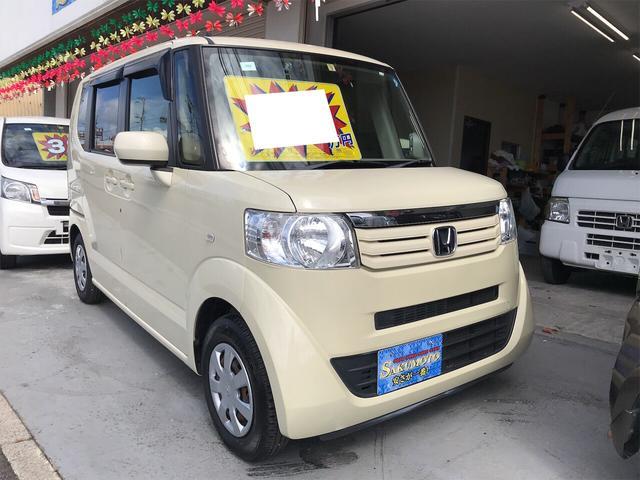 沖縄の中古車 ホンダ N-BOX 車両価格 49万円 リ済別 2012(平成24)年 13.9万km ヒダマリアイボリーパール