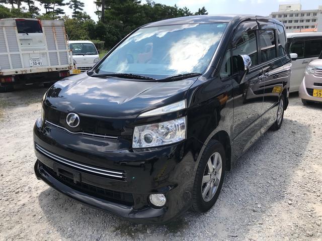 沖縄県の中古車ならヴォクシー ZS 煌II スマートキー プッシュスタート 両側パワースライドドア 3列シート 純正ナビ