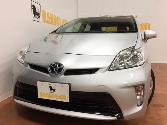 沖縄の中古車 トヨタ プリウス 車両価格 92万円 リ済込 平成24年 6.7万km シルバーメタリック
