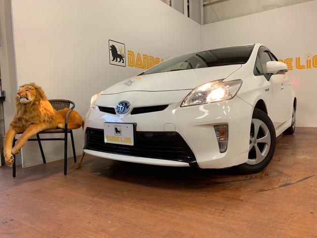 沖縄の中古車 トヨタ プリウス 車両価格 69万円 リ済別 2013(平成25)年 8.0万km ホワイト