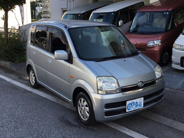 沖縄の中古車 ダイハツ ムーヴ 車両価格 13.8万円 リ済別 2005(平成17)年 11.2万km ライトグレーM