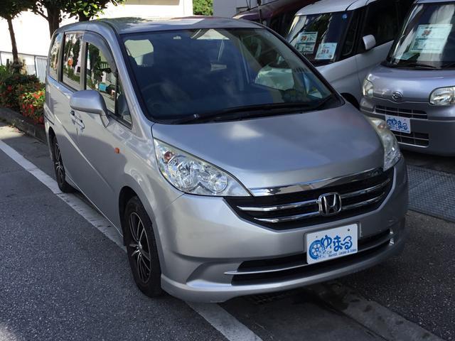 沖縄の中古車 ホンダ ステップワゴン 車両価格 19.8万円 リ済別 2008(平成20)年 14.2万km ライトシルバーM