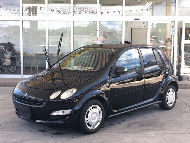 沖縄の中古車 スマート スマートフォーフォー 車両価格 45万円 リ済別 2005(平成17)年 6.8万km ブラックM