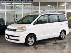 沖縄の中古車 トヨタ ヴォクシー 車両価格 19万円 リ済別 平成15年 11.7万K ホワイト