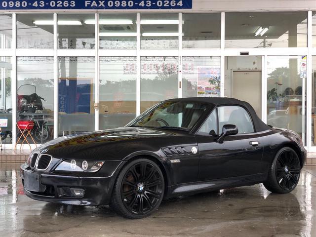 沖縄の中古車 BMW Z3ロードスター 車両価格 69万円 リ済別 1999(平成11)年 12.7万km ブラック