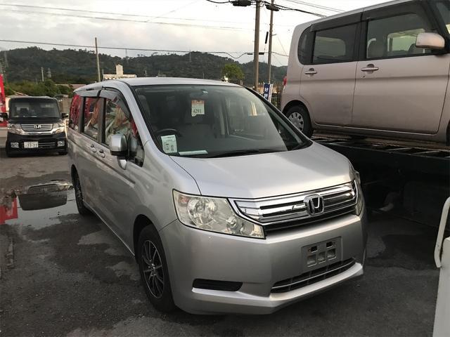 沖縄の中古車 ホンダ ステップワゴン 車両価格 45万円 リ済込 2009(平成21)年 12.8万km シルバー
