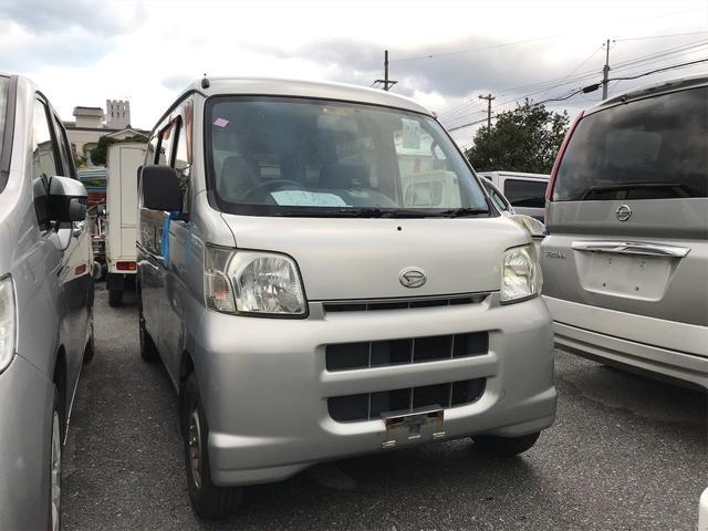 沖縄の中古車 ダイハツ ハイゼットカーゴ 車両価格 39万円 リ済込 2006(平成18)年 12.5万km シルバー