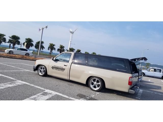 沖縄の中古車 米国トヨタ T100 車両価格 265万円 リ済込 1994(平成6)年 14.4万km フォーンベージュメタリック