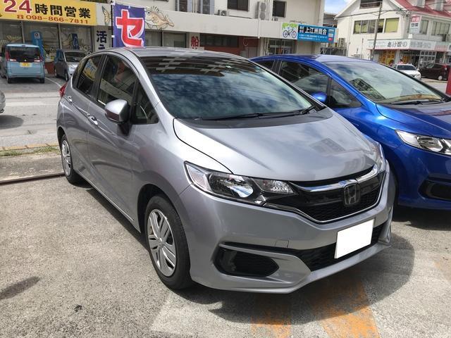 沖縄の中古車 ホンダ フィット 車両価格 151.2万円 リ済込 平成29年 2.9万km シルバー