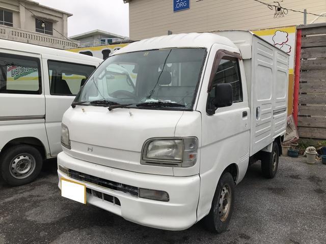 沖縄の中古車 ダイハツ ハイゼットトラック 車両価格 26万円 リ済込 平成14年 14.4万km ホワイト