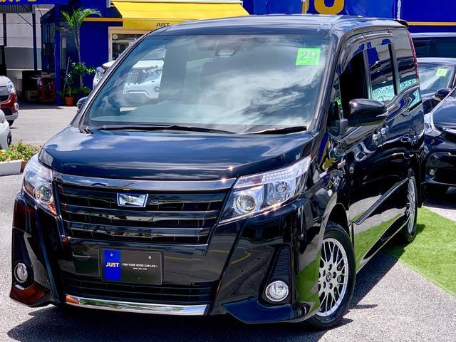 沖縄の中古車 トヨタ ノア 車両価格 235万円 リ済込 2017(平成29)年 4.5万km ブラック