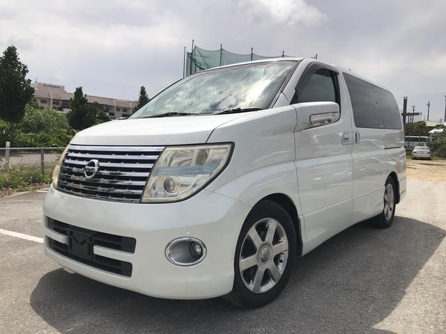 沖縄の中古車 日産 エルグランド 車両価格 48万円 リ済別 平成17年 14.2万km ホワイトパール