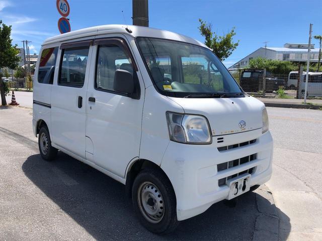 沖縄の中古車 ダイハツ ハイゼットカーゴ 車両価格 18万円 リ済別 2010(平成22)年 20.2万km ホワイト