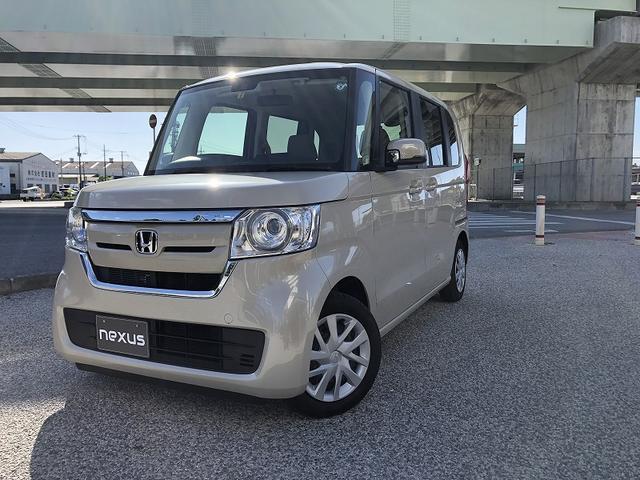 沖縄の中古車 ホンダ N-BOX 車両価格 127.5万円 リ済別 2020(令和2)年 0.4万km アイボリー