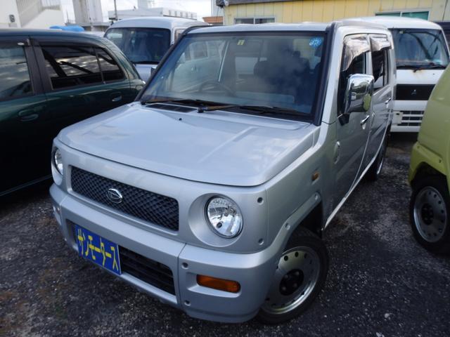 沖縄の中古車 ダイハツ ネイキッド 車両価格 25万円 リ済込 2001(平成13)年 11.7万km シルバーM
