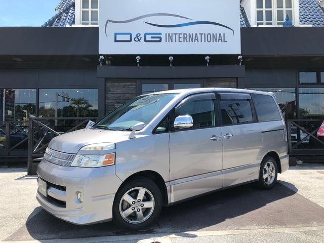 沖縄の中古車 トヨタ ヴォクシー 車両価格 39万円 リ済別 2006(平成18)年 8.5万km グレー