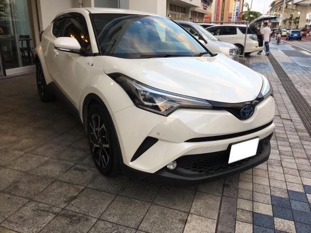 沖縄の中古車 トヨタ C-HR 車両価格 210万円 リ済込 2017(平成29)年 5.8万km パールホワイト
