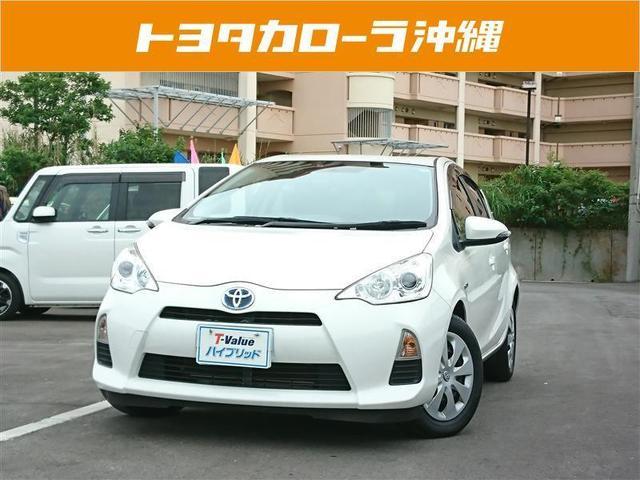 沖縄の中古車 トヨタ アクア 車両価格 89万円 リ済別 2013(平成25)年 5.6万km パールマイカ