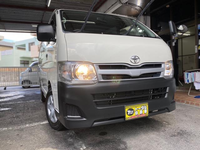 沖縄の中古車 トヨタ ハイエースバン 車両価格 72万円 リ済込 2011(平成23)年 10.7万km ホワイト