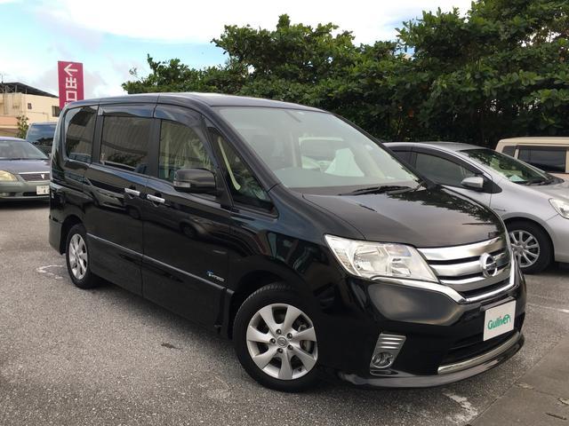 沖縄の中古車 日産 セレナ 車両価格 129万円 リ済別 2013(平成25)年 8.4万km ブラック