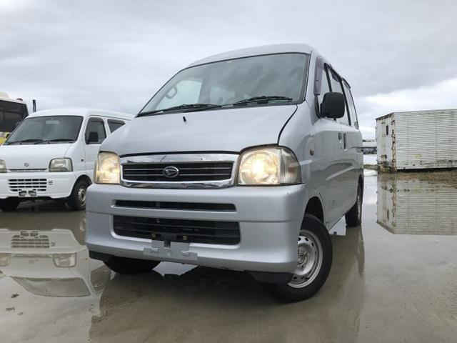 沖縄の中古車 ダイハツ ハイゼットカーゴ 車両価格 25万円 リ済込 2004(平成16)年 8.7万km ライトグレー