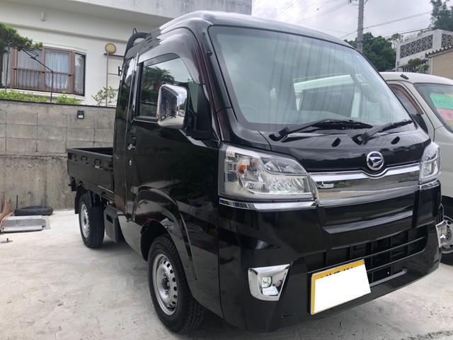 沖縄の中古車 ダイハツ ハイゼットトラック 車両価格 120万円 リ済込 2018(平成30)年 617km ブラックM