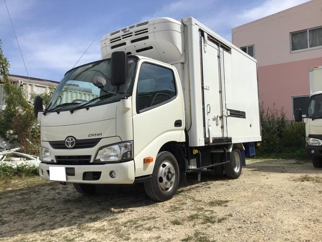 沖縄の中古車 トヨタ ダイナトラック 車両価格 420万円 リ済別 2017(平成29)年 3.7万km ホワイト