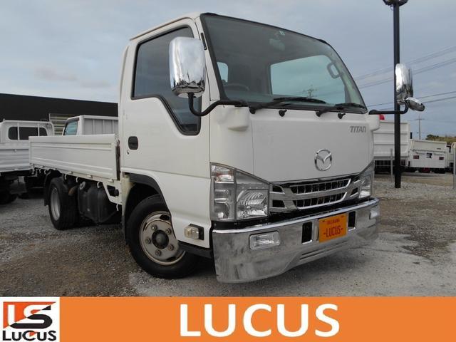 沖縄県の中古車ならタイタントラック  平ボディ 積載2t 5MT 3000cc 標準 全低床 内地中古 下廻り錆止め処理 荷台3.1m×1.6m 総重量4335kg いすゞエルフOEM