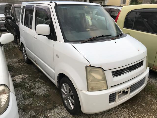 沖縄の中古車 スズキ ワゴンR 車両価格 6.8万円 リ済込 2004(平成16)年 8.5万km ホワイト